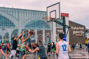"""Į Kauną sugrįžta didžiausias Lietuvoje gatvės kultūros festivalis """"Naktinis krepšinis"""""""
